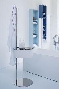 One-Two, Accesorio para baño en madera doblada y acero inoxidable