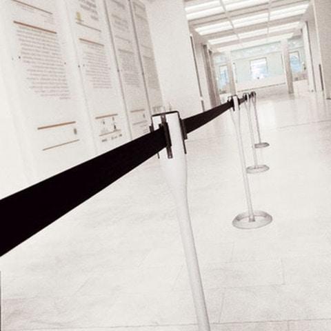 Battista column with stretchable tape, La oficina del complemento, columnas con cinta extraíble