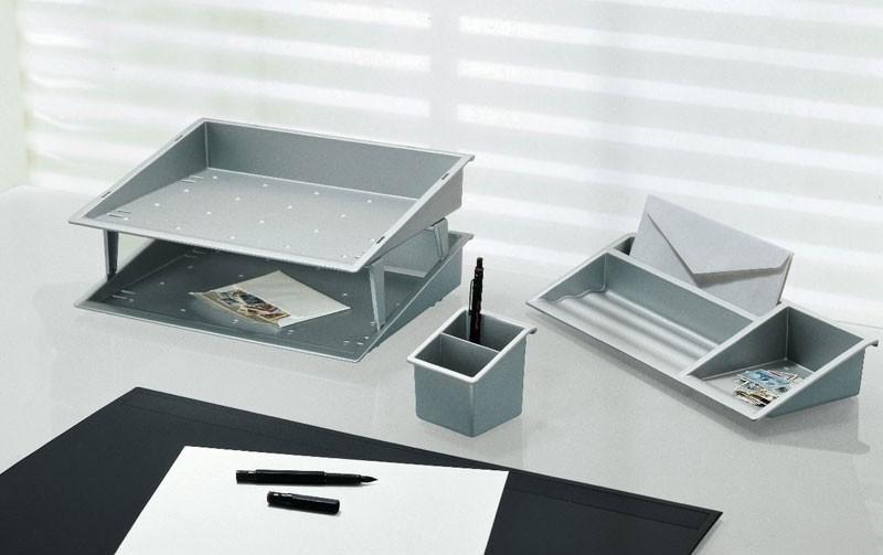 Desk up, Accesorios de escritorio en polímero de color