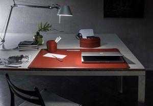 Ebe 4pz, Conjunto de escritorio en cuero regenerado.