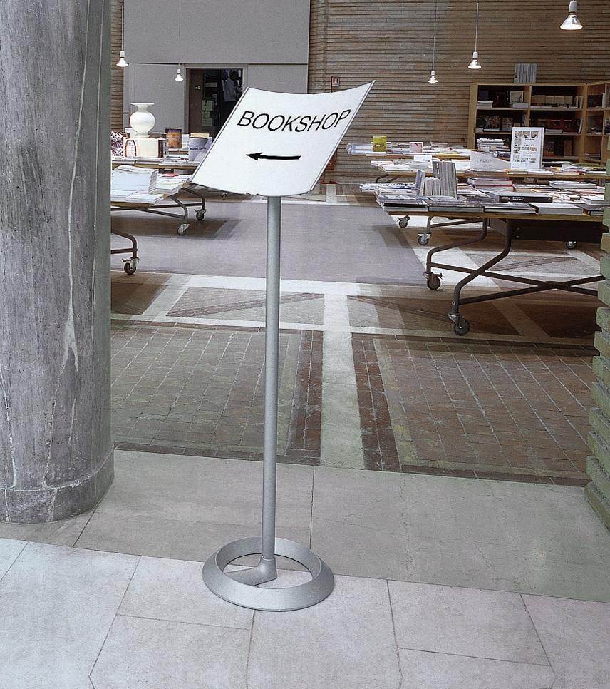 Koala/Battista, Complementos para la oficina, muestra de los lugares públicos