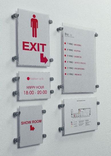 Koala-t wall, Sistema de expositores en varios formatos, para ambientes públicos