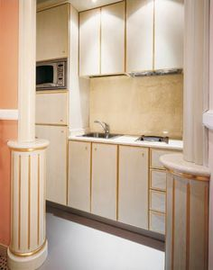 Hotel Residence Romana Kitchen, Cocina personalizada para residencias, hecho de madera clara decorado