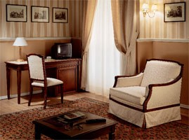 Collezione Direttorio, Muebles de estilo clásico para la habitación de hotel, por encargo
