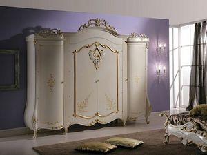 Isabel Armario, Armario con decoraciones de estilo clásico