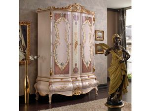 Marie Claire Armario, Armario con puertas decoradas a mano