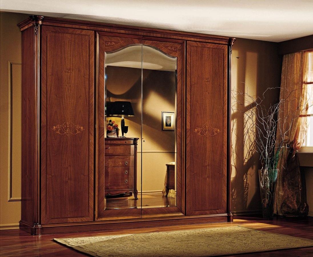 Armario de lujo en madera real de nogal, con tallas e incrustaciones ...