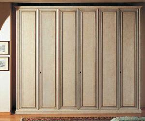 Venere armario, Armario cl�sico con la parte interior en madera de nogal Tanganyika