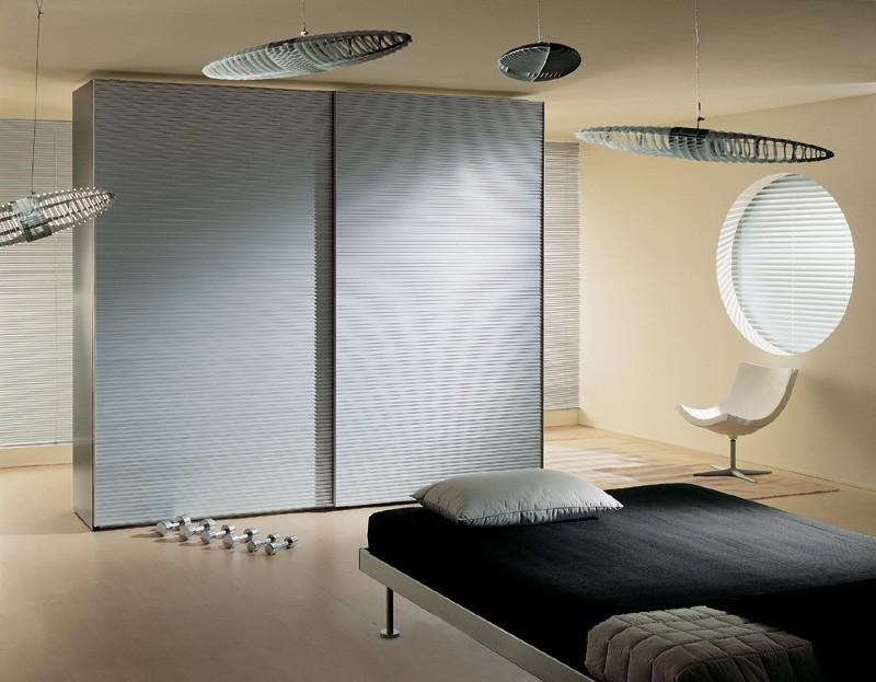 ALLUMINIO comp.01, Armario con 2 puertas cubiertas de aluminio, para el dormitorio