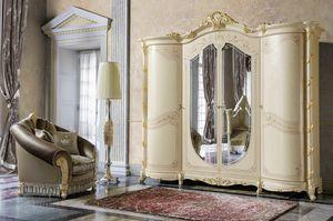 Madame Royale armario, Armario de estilo cl�sico con formas sinuosas