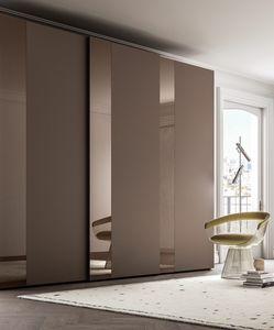 PARIGINO, Armario con banda de vidrio decorativa