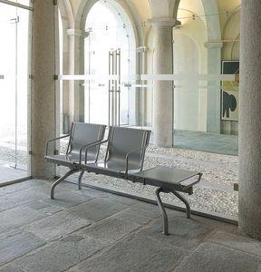 Pitagora bench, Banco en chapa de acero pintado en varios colores