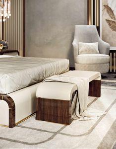 ART. 3371, Banco para dormitorio, con asiento de cuero.