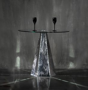 Blade Runner Zinc, Base de mesa con forma hexagonal
