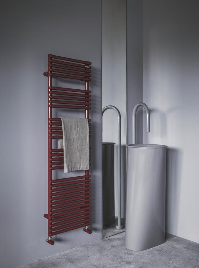 Bath 25, Radiador de la toalla de baño