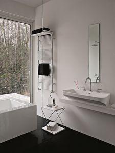 Hotel 14, Calentador de toallas, con estante para toallas extras