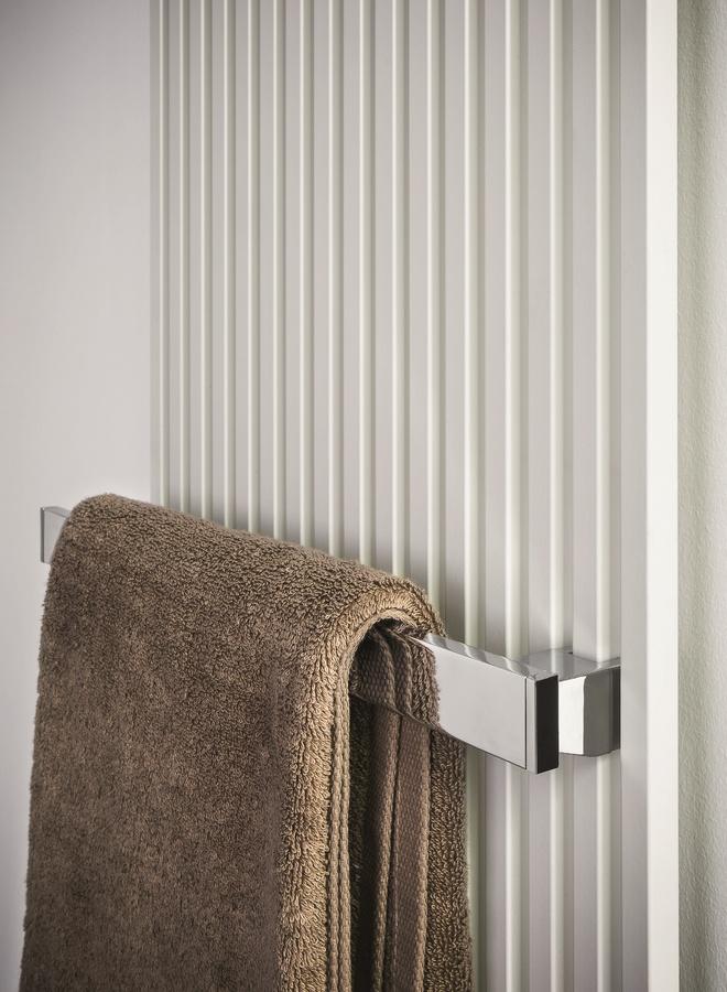 Kubik, Radiador de acero, con toallero