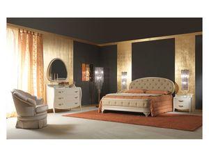 Art. 2010 Bed, Cama tapizada, crema lacado, detalles de la hoja de oro