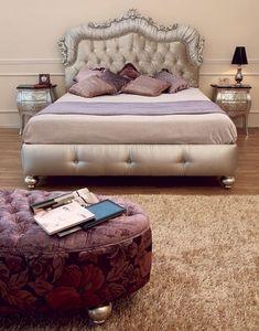 Art. 2400 Valentina, Las camas en madera tallada a mano, acolchados copetudo