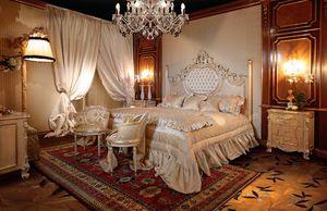 Art. 490, Hermosa cama con columnas talladas