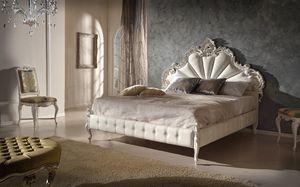 Art. 802, Cama tallada de madera con el marco de la cama tapizado