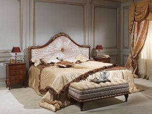 Art. 986-940 bed, Cama en madera maciza, tapizado en terciopelo, de hotel de lujo