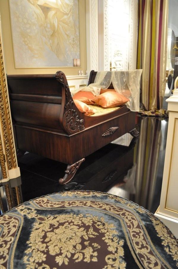 Barco cama, Cama con ruedas, con tallas hechas a mano