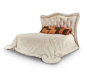 FLORA / cama, Cama con cabecero acolchado y tallado