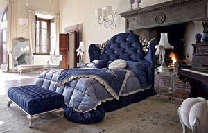 Mafalda cama, Cama clásica con relleno de capitonné y tallas de plata