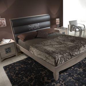 ST 715, Madera de fresno y cama de cuero, con inserción de bordado