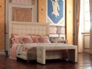 Tiepolo bed, Cama de madera decorado a mano, con pliegues de borde