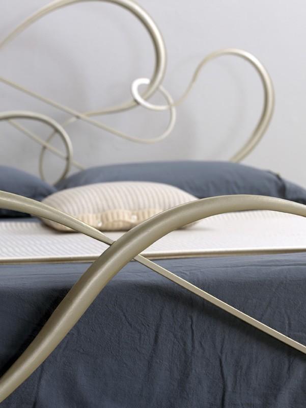 Cama de hierro clásico para el dormitorio elegante   IDFdesign