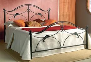 Ottocento, Hierro cama doble forjado con adornos florales