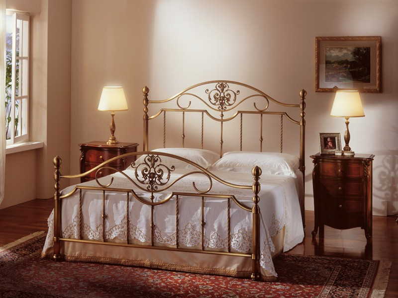 Cama clásica, latón bronce, para el Hotel Room | IDFdesign