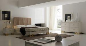 Allegra pie tallado, Dormitorio con cama con cabecera tapizada