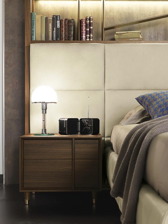 Cama de diseño de madera con biblioteca y luces LED | IDFdesign