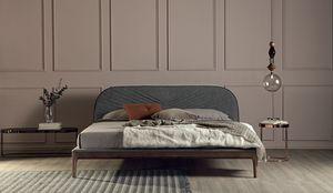 MICHELANGELO, Cama con marco de madera maciza tapizada. en cuero