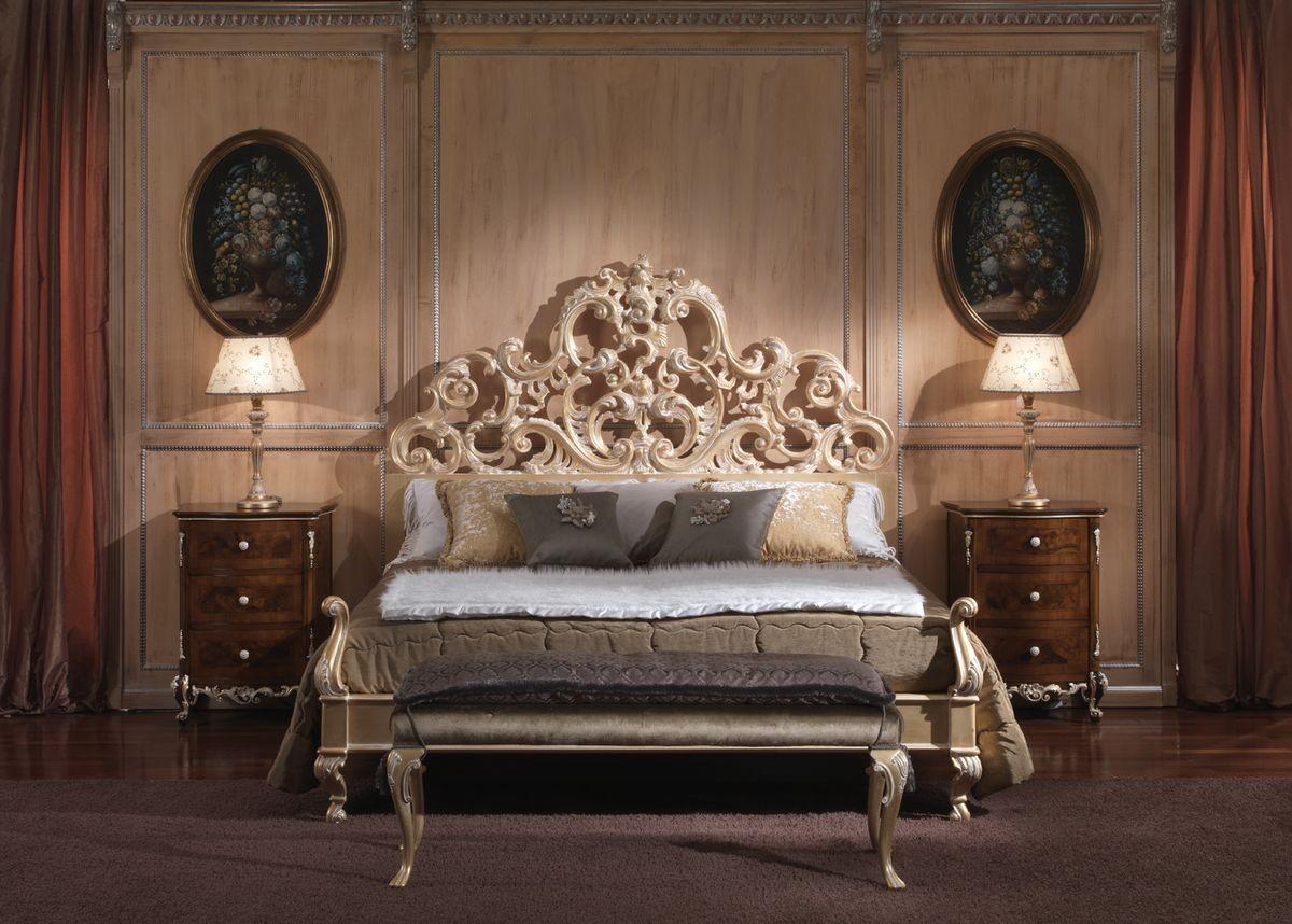 Cama con estilo barroco, de habitaciones de lujo, estructura de ...