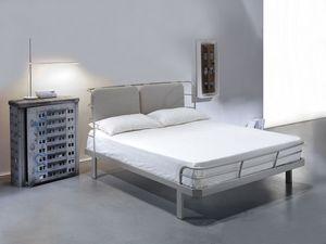Bauhaus, Cama doble con estructura metálica