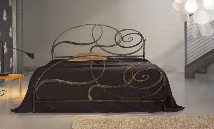 Capriccio, Cama de hierro forjado, diseño elíptico de caracol