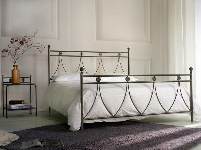 Cama doble metal clásico, para el dormitorio | IDFdesign