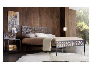 Green Double Bed, Cama doble de metal con motivos abstractos