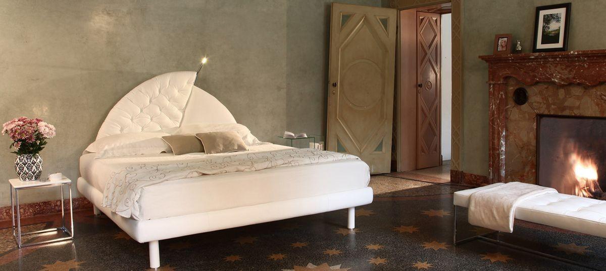 Vogue, Cama tapizada, cabecera original, para los hoteles clásicos