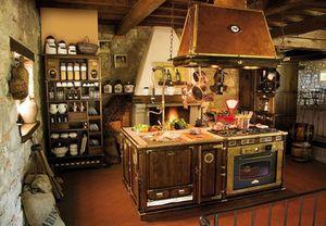 Art. 509, Madera de la cocina amueblada,, campana de cobre pasada de moda