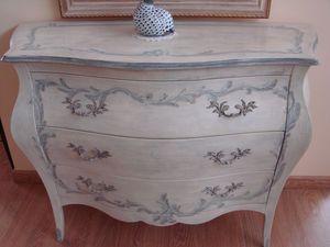 Art. 2107/Z, Cómoda de estilo clásico y lujoso, lacado con decoraciones