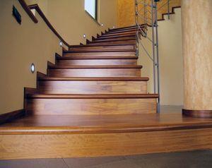 revestimiento de madera para escaleras existentes, Revestimientos de escaleras, de madera, de hoteles y villas