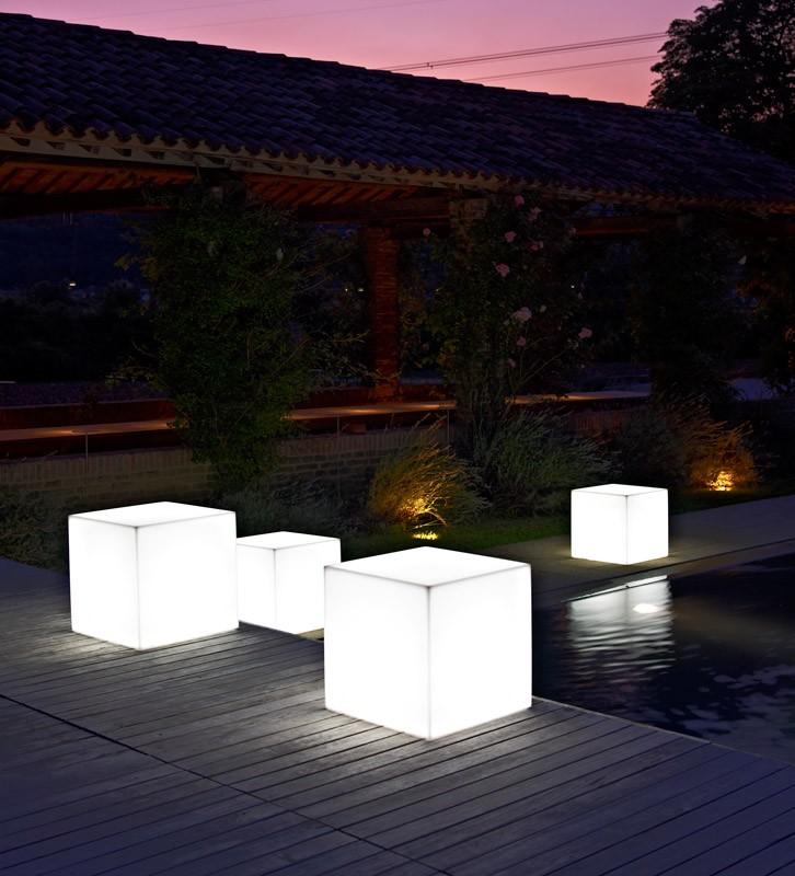 LT 2706, Banco en policarbonato con luz interior, para piscinas