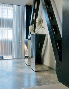 Qube 315, Columna decorativa espejo