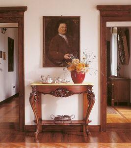 Art. 860, Consolas clásicas en madera con incrustaciones a mano, para entradas