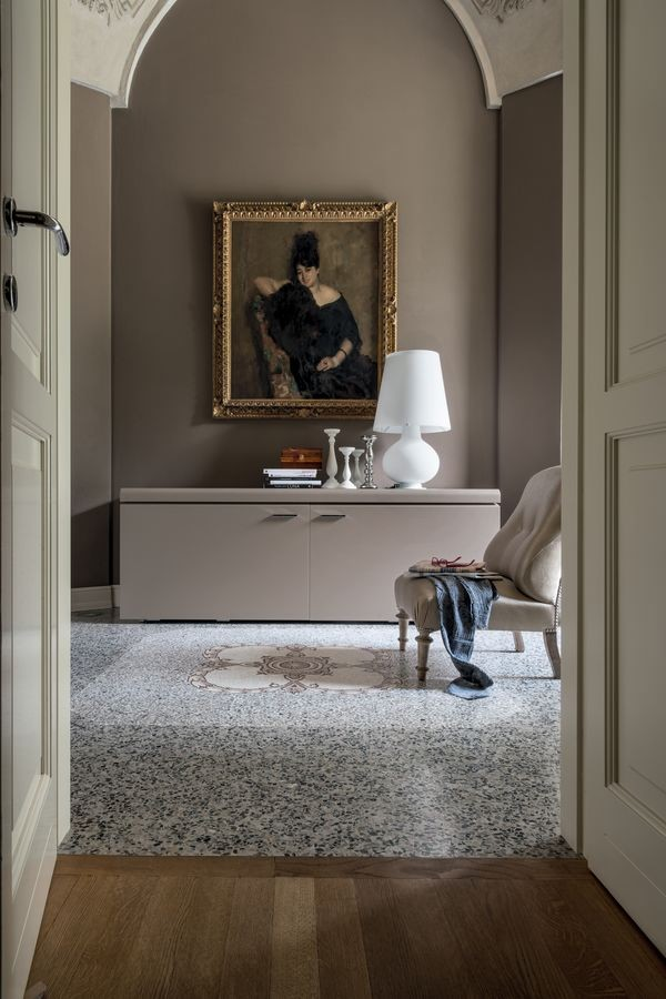 GOYA, Aparador de madera de la sala de estar, con iluminación interna
